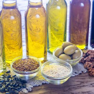 Want to control bad cholesterol? Cook meals in sunflower, flaxseed oil